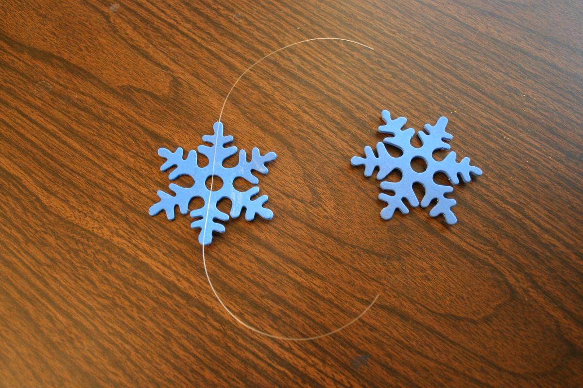 すべての折り紙 結晶 作り方 折り紙 : 雪の結晶フォームの真ん中に ...