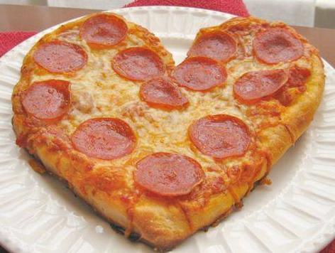 ハート形ピザ
