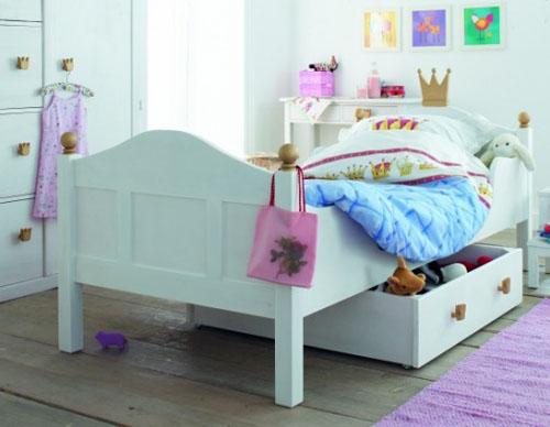 Kid bed with underbed storage