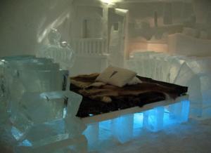 スウェーデン氷のホテル