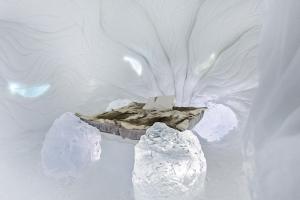 氷のアートのホテル