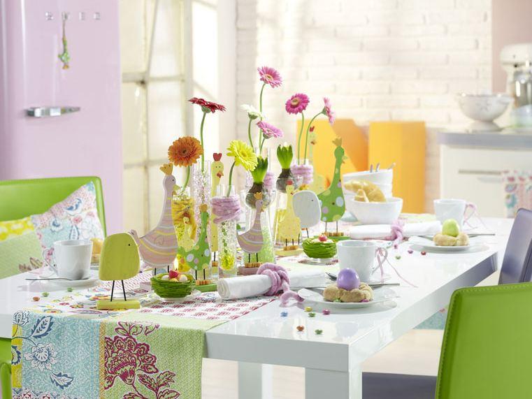 春のテーブルデコレーション