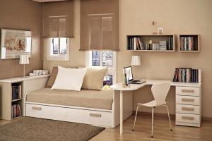 シンプルなベージュの部屋