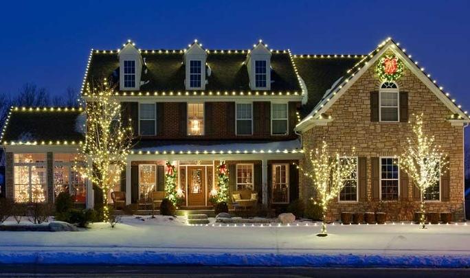 家のライトアップ