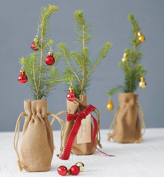 小さなクリスマスツリー飾り