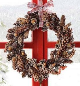 松ぼっくりとどんぐりのクリスマスリース