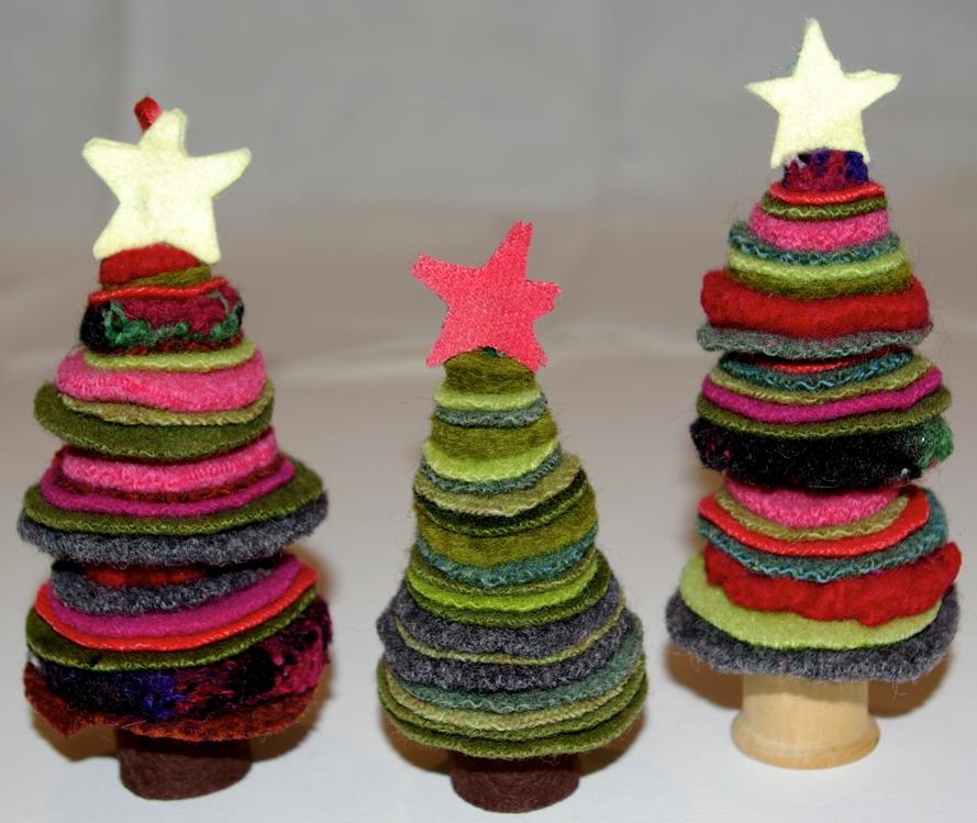 簡単 折り紙 クリスマス 簡単 折り紙 : フエルトクリスマスツリー画像