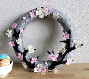 毛糸フェルト桜リース作り方