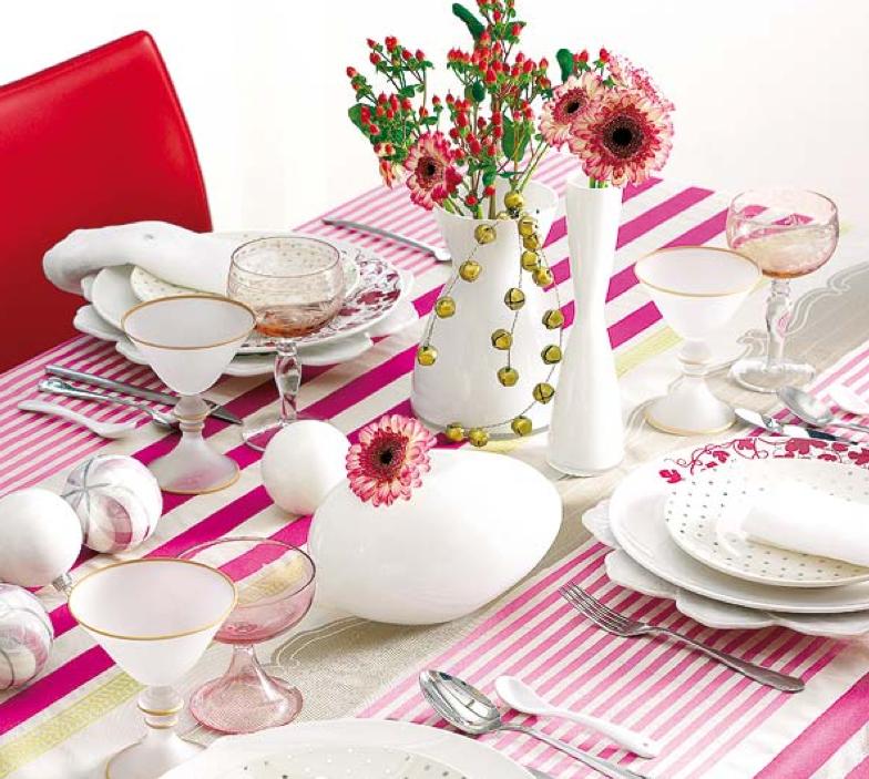 ピンクなクリスマステーブル飾り付け