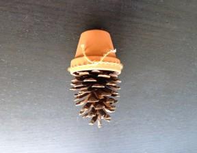 松ぼっくりクリスマスツリー作り方