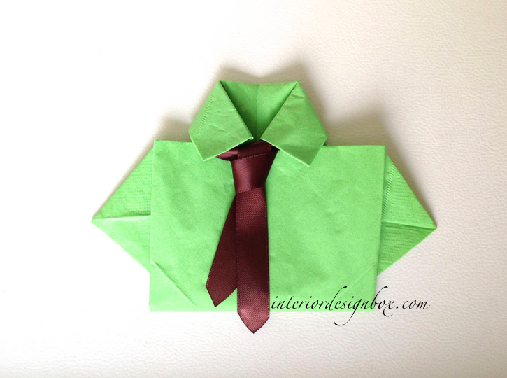 紙ナプキン折り方Yシャツ